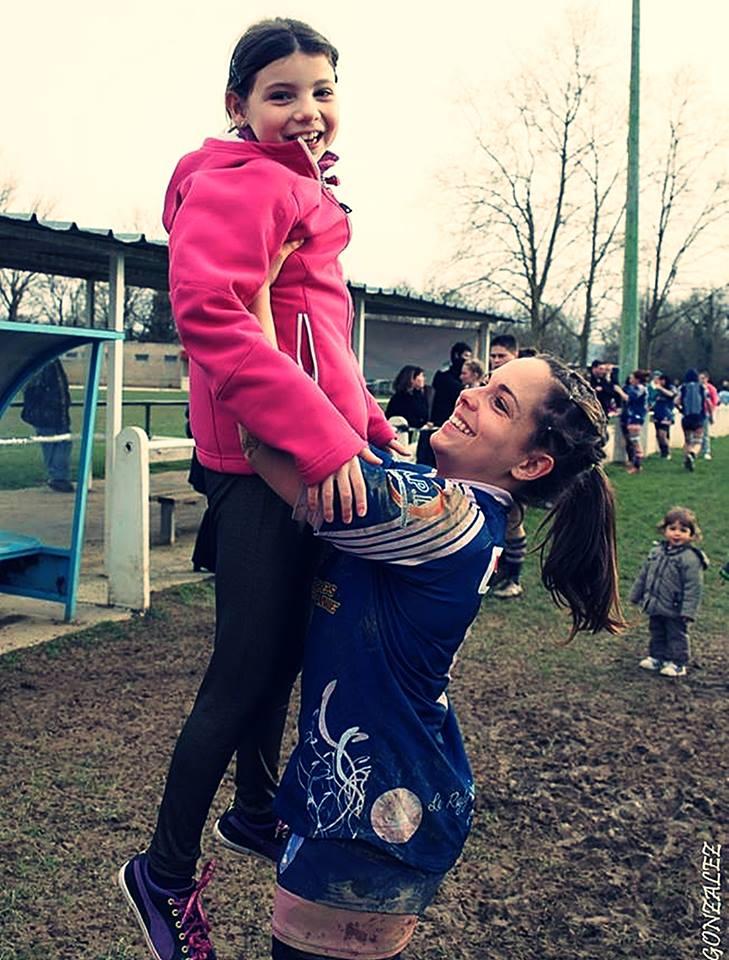Pour terminer, un peu de douceur dans ce monde de brutes, deux beaux sourires captés par Serge Gonzalez à la fin du match du Castres Rugby Féminin