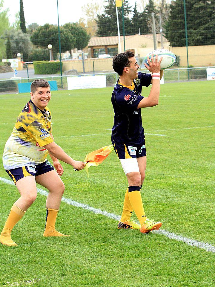 A Agde, l'équipe réserve garde le ballon dans l'aire de jeu...on comprend pourquoi ! (photo Norbert Gimeno)