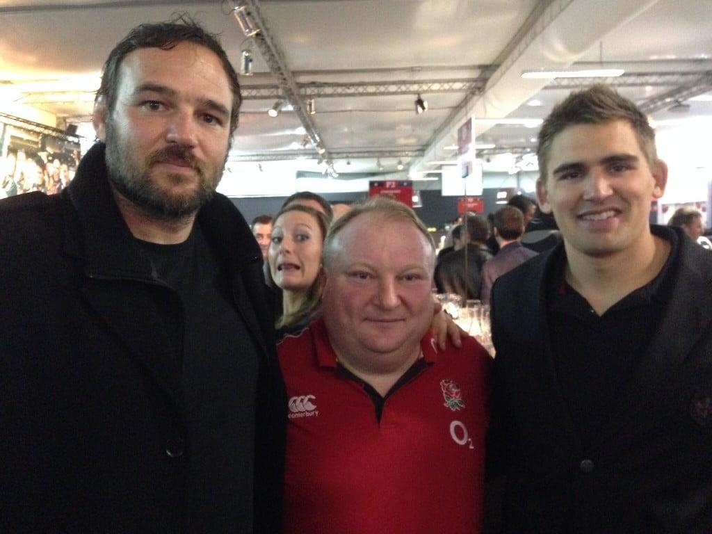 Gary Street, lors de l'après match ST/FCG, bien entouré par David Gérard et Toby Flood (photo @RugbyAmateur)