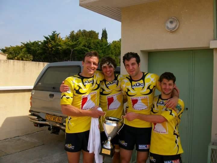 photomontage de Simon Valzer pour faire croire qu'il joue au rugby (sur la gauche) tuc