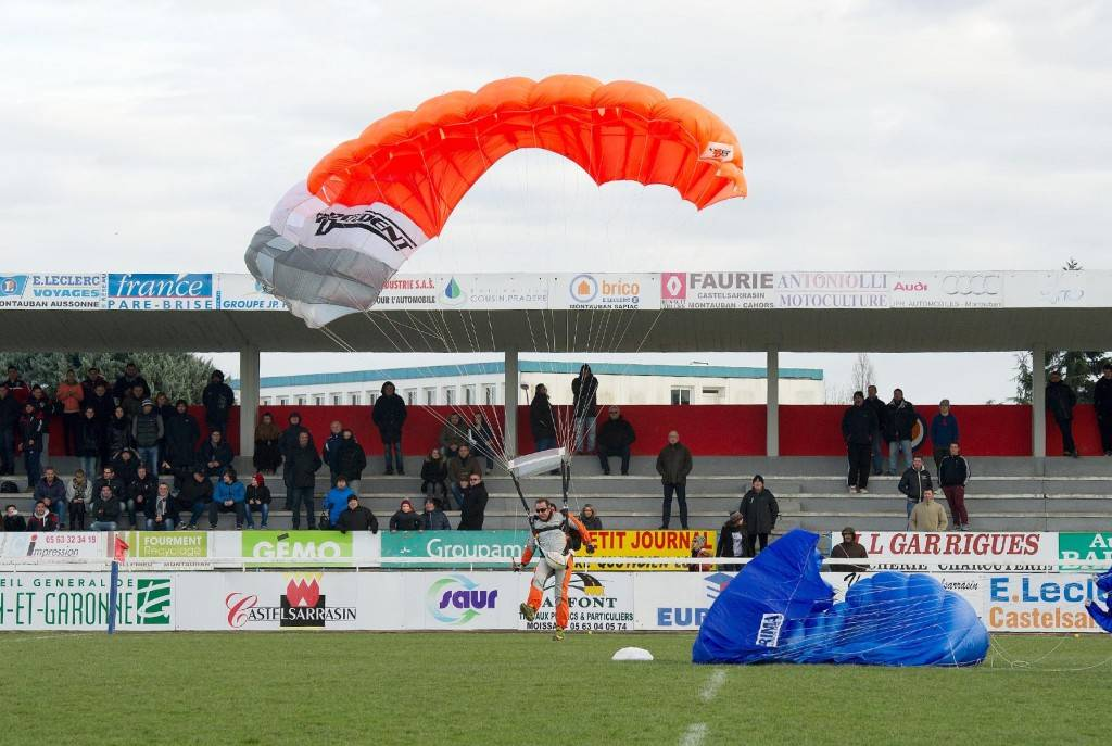 cac racing 02 15 ballon parachute