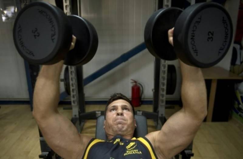 Mondial-de-rugby-et-de-cinq-pour-TNT-Ovidiu-Tonita_article_popin