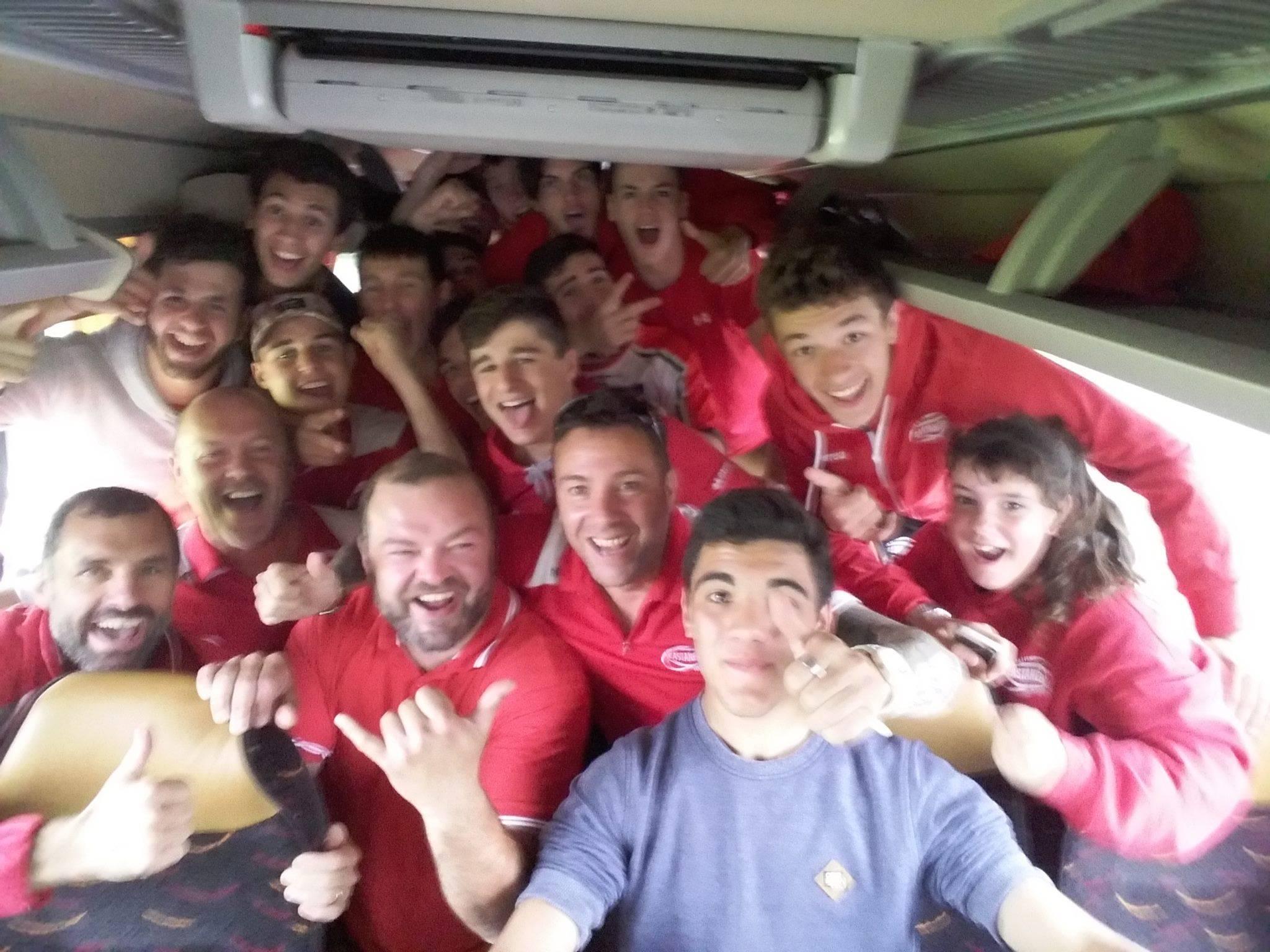 Castanéen Rugby qui viennent de gagné leur Quart de Finale contre Poitiers 30 - 5