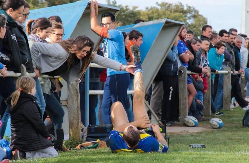 Mais on trouve toujours une âme charitable dans le rugby amateur (photo C. Fabries)