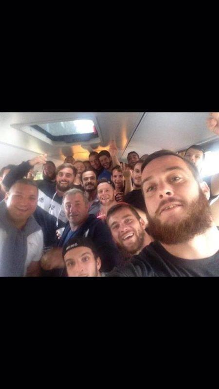 selfie-de-la-victoire-saf-xv-bus-retour-de-mirepoix