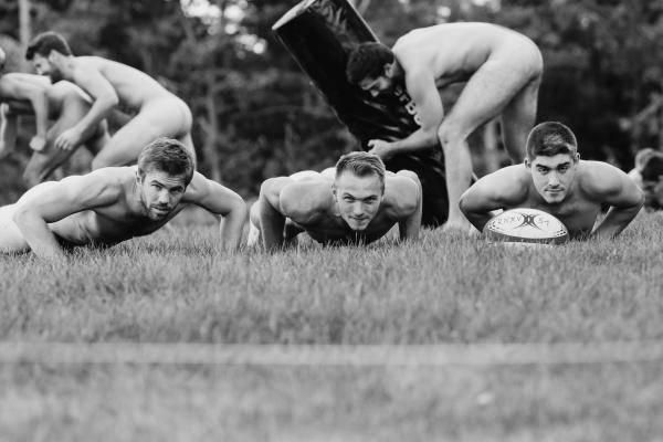 Calendrier Rugbyman Nu.Calendrier Les Garcons Aussi Se Mettent A Nu Rugby Amateur