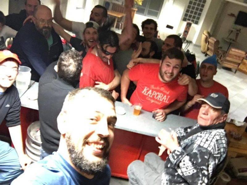 Selfie Coupe De Cheveux Inattendu Des Ciseaux Ste Croix Volvestre