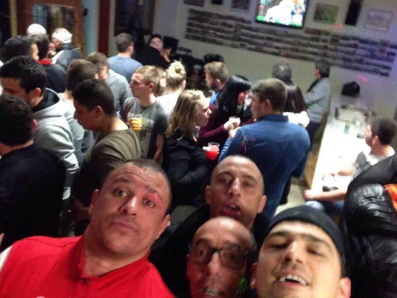 Selfie de tarasconnais, au club house de daumazan malgré la défaite à Montesquieu on fête notre maintien en honneur partout!