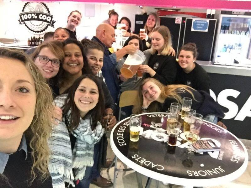 les coquettes du rugby coq mosan (équipe féminine première division belge) et nous aimerions vous faire partager notre victoire contre Gent 48 00 (ce qui nous offre la deuxième place du classement)