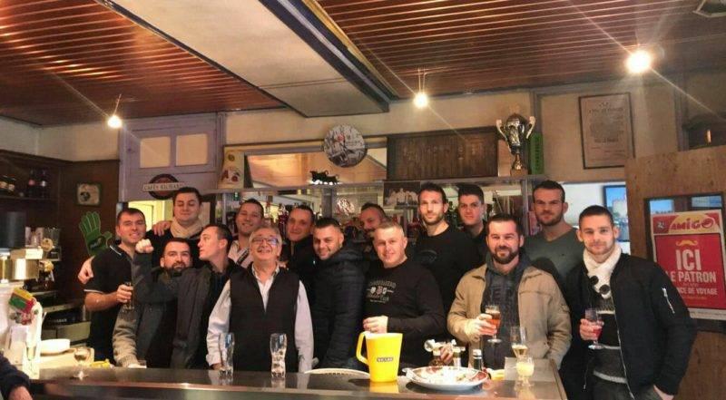 repas cohésion CSLG SATHONAY CAMP dans le Rhône