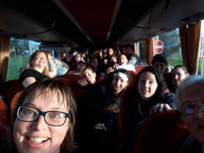 puy l'évêque plus de place dans le bus avec les garçons