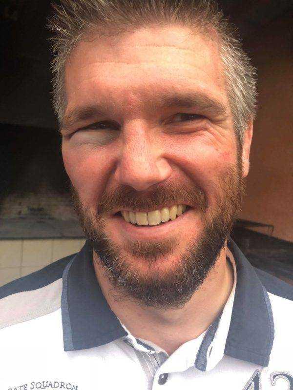 Damien Pons maffré par un déblayade d'yvon, compère de la 3ème ligne