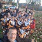 selfie du groupe M14 de l'ORC'S. 3 matchs 3 victoires Selfie enfants parents HEUREUX