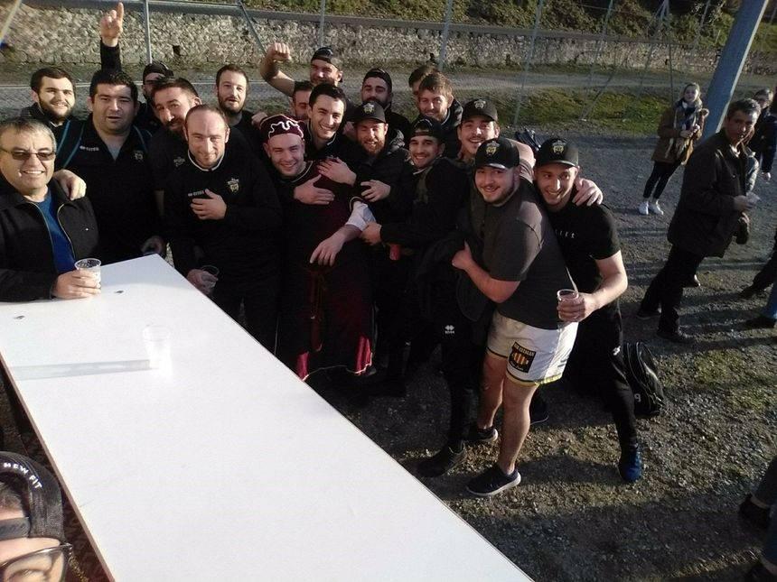 décrassage d'avant match pour les joueurs de Lezat (USL 09) avant de monter jouer le match en retard contre andorre