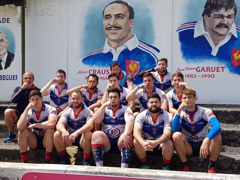 Vainqueurs du tournoi départemental de rugby à 7 hier à Beguere, les lourdais ont rendu hommage à Michel Crauste