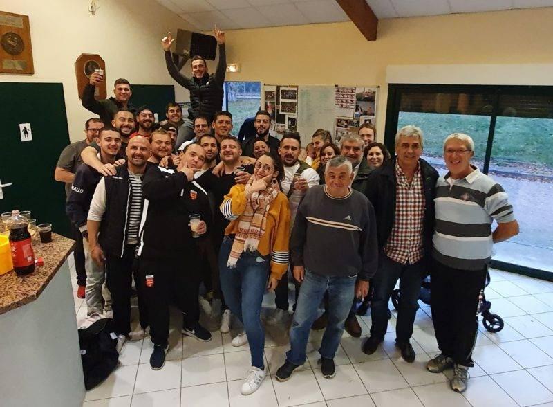 Après une défaite, 1 forfait, 1 match nul et 1 autre défaite le Racing Club gagne enfin son 1er match de la saison contre l'Honor de Cos à domicile