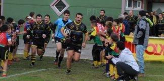 arize haie d'honneur par les jeunes de l'école de rugby
