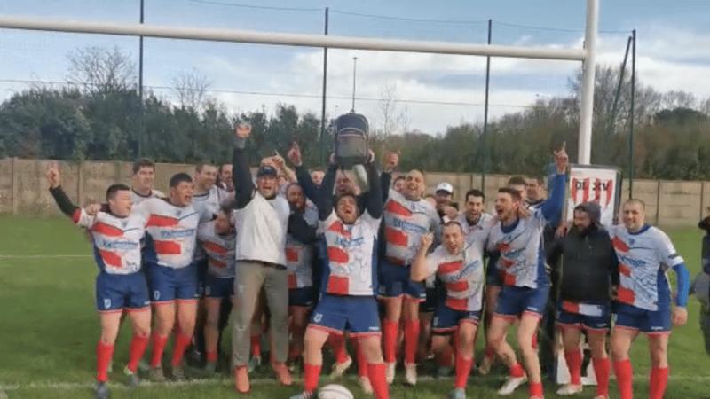 Sor agout équipe 3 soulève son bouclier en terre Labruguièroise après une victoire 41 0