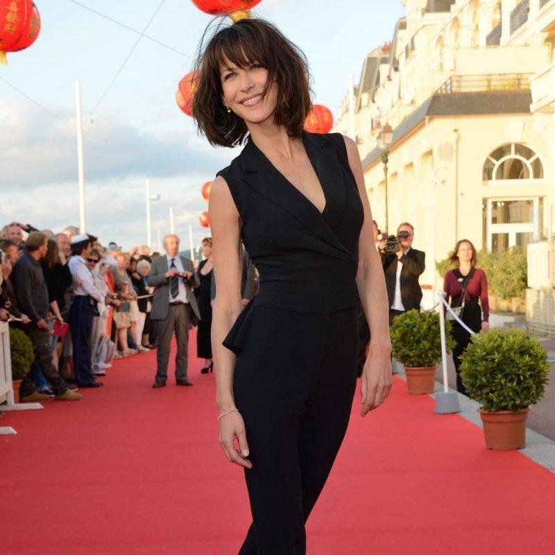 Sophie Marceau sexy et rayonnante au festival de Cabourg