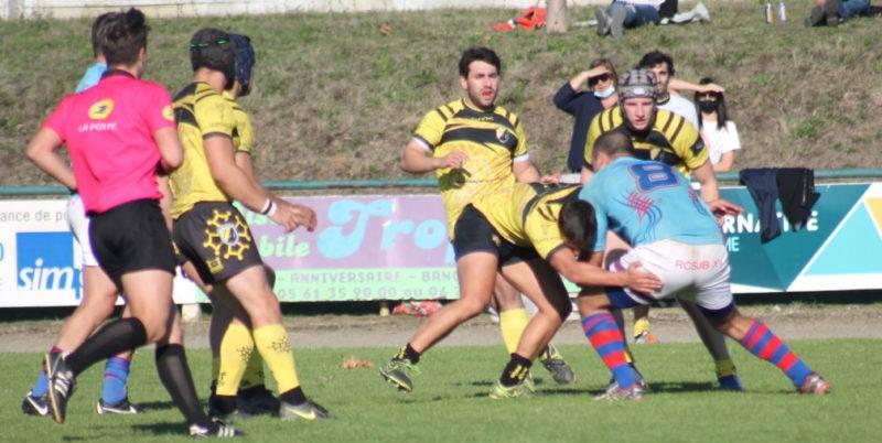 Gasc (8) a souvent essayé de remettre les siens dans l'avancée (Photo Meyrélie).