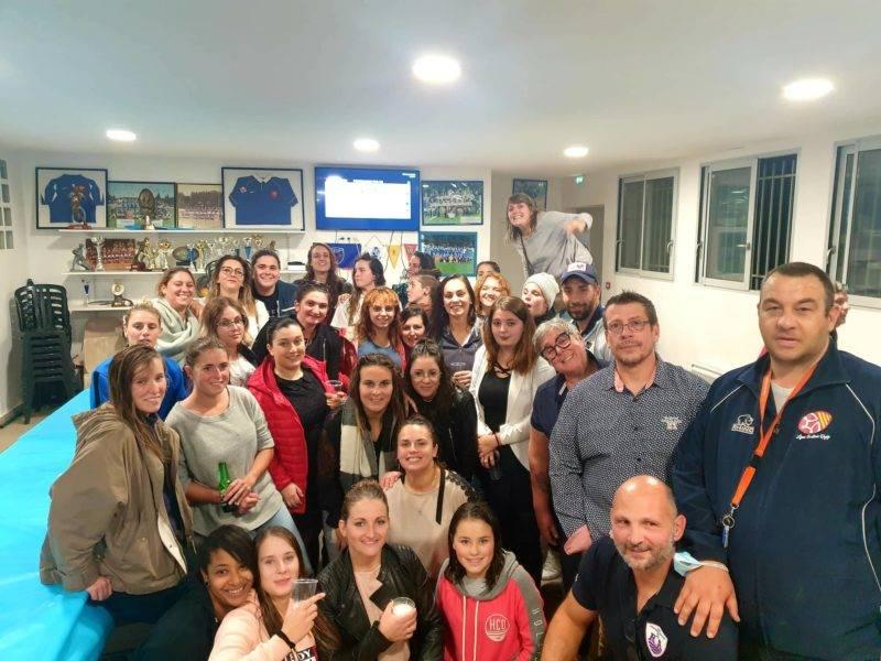l equipe féminine de l'abb à reçu ce soir pour un match amical l'équipe feminine du roa Les déferlantes du ROA