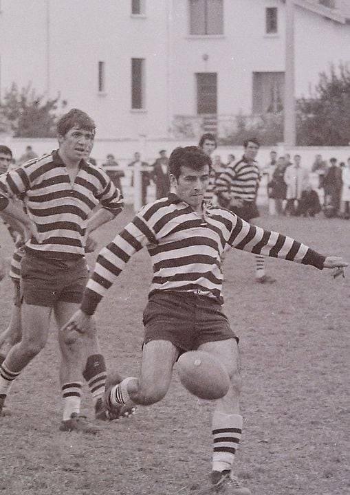 Louis Monié avec Jean Louis Delbosc, André Carbonnel, Régis Rossi, anciens coéquipiers au RC Mirepoix, dans les tribunes de Mirepoix